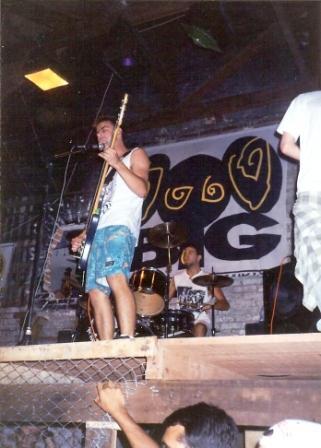 Pinheads, Fábrica de Vagabundos, palco de 2 metros de altura, 1994