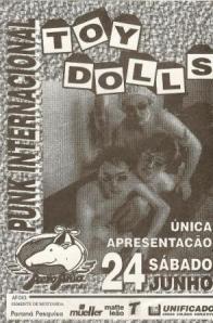 """Flyer: Toy Dolls com """"S"""", sem nome da banda de abertura e sem preço do ingresso."""