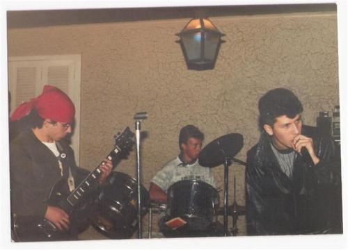 Necropsya, 1989. Primeira banda de Júlio Linhares (de bandana).