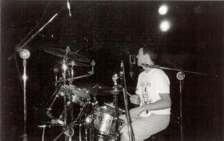 Dudu (camiseta Circle Jerks) no último show