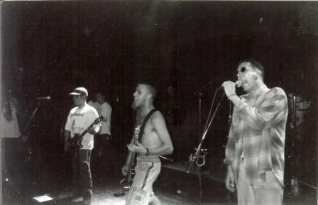Mauricião cantando DK´s no último show
